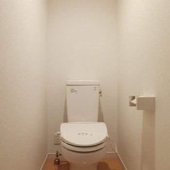 トイレは意外に広々