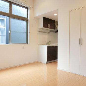 キッチンと収納の配置