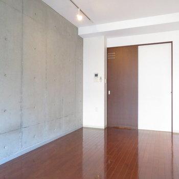無駄なものなどありません※写真は8階の同間取り別部屋のものです