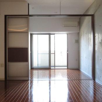 広さは十分かと※写真は8階の同間取り別部屋のものです