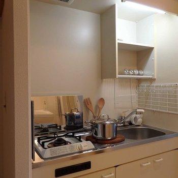 調理スペースもあります。※写真は同間取り別部屋
