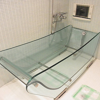 見よ、スケルトンバス!&浴室テレビ! ※写真は別部屋