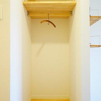 有孔ボードのうしろは収納スペースに※写真は前回施工の402号室
