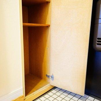 玄関には下駄箱も♪※写真は前回施工の402号室