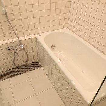 浴室がだいぶ広いです