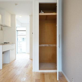 収納は一人暮らしサイズです※写真は201号室