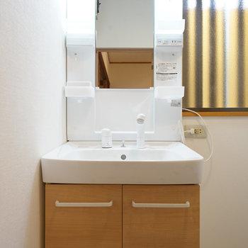 洗面台も機能的!