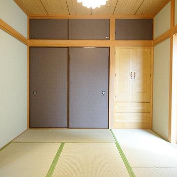 2階、6帖の和室。和みますね~