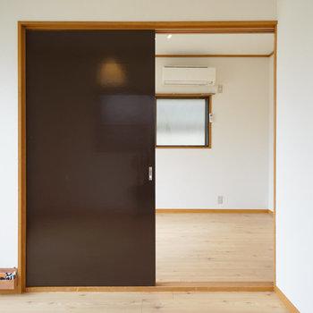 仕切り扉は黒板として活用できます!