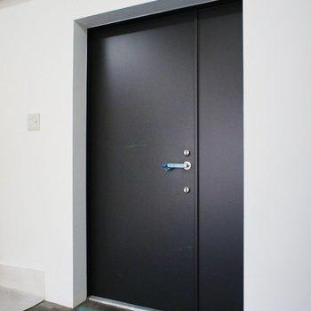 ドアも新しい