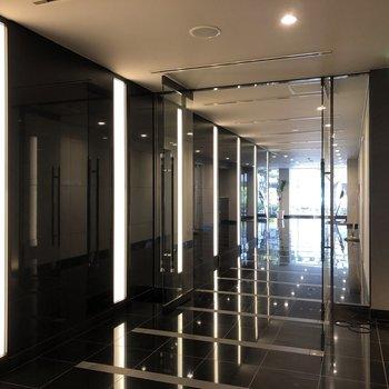1階エレベーターホール前です。