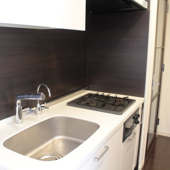 キッチンはとてもキレイ!ガスなのも嬉しい。