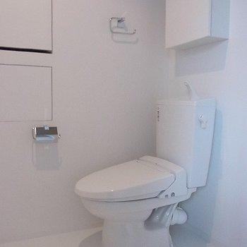 とにかく白で統一された水回りがかっこいい※写真は別部屋