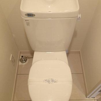 トイレはシンプル、ウォシュレットはありません