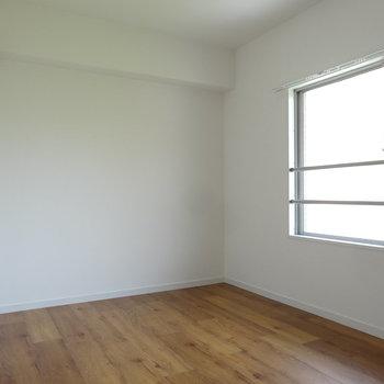 洋室は程よい広さです。