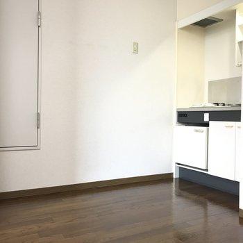 キッチンまわりはスペースあります