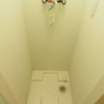 その横には洗濯機置き場です!