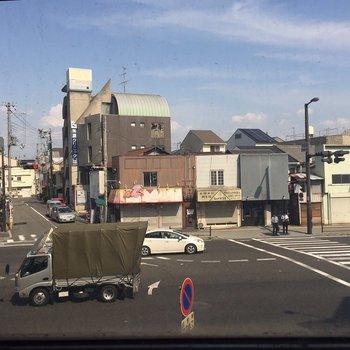 眺望。大通りに面してます。