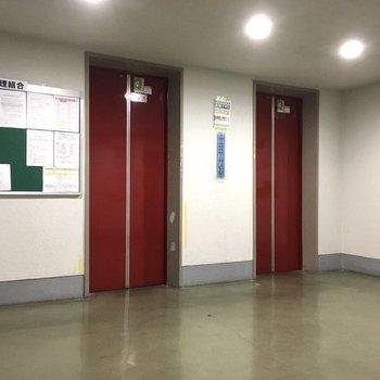 エレベーターはしっかり2基!