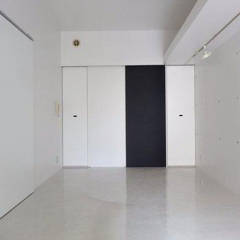 まるでスタジオのような空間!※写真は4階の同間取り別部屋のものです