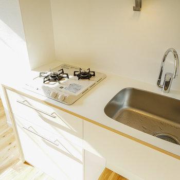 シンプルデザインのキッチンに♪