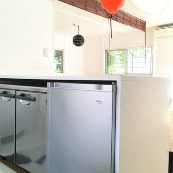 冷蔵庫と冷凍庫ついてきますよ〜!