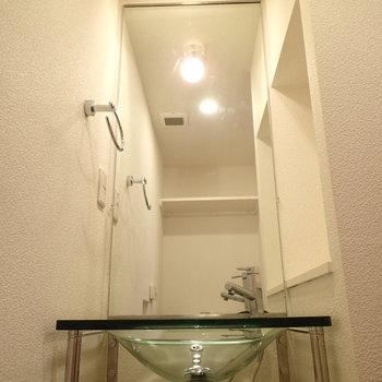 洗面台はトイレのなかにあります※写真は1階の同間取り別部屋のものです