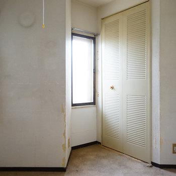 リビングとなりの寝室は5角形!※写真は工事前です
