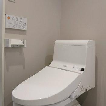 新品トイレ!