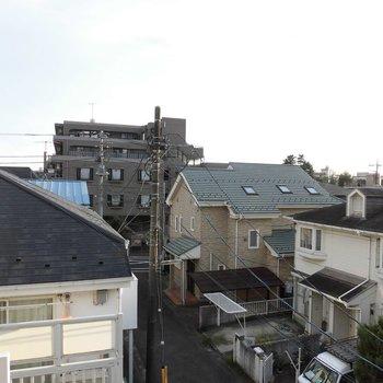 住宅街ですが見晴らしはいいですね※写真は別部屋からです