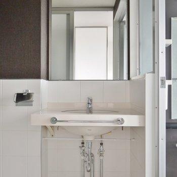 シンプルでかっこいい洗面台。※写真は前回募集時のもの。