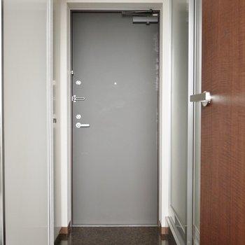 玄関はこんな感じ!※写真は前回募集時のもの。もの