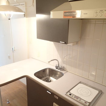 キッチンは小さいと楽しい説