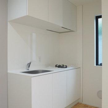 キッチンはシンプルコンパクト※写真は前回募集時のものです