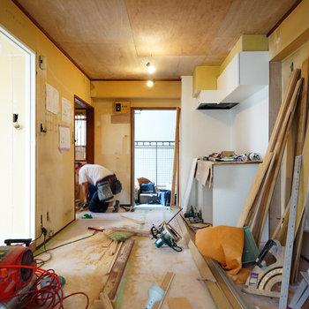 広いリビング♪※写真は403号室工事中です