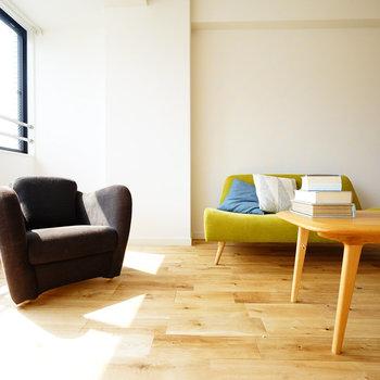 床は無垢床のオーク材を使用していきます※写真はイメージ