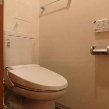 ウォシュレット付き・最新のトイレです