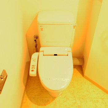 ウォシュレット付きトイレ※写真は10階の反転間取り別部屋のものです