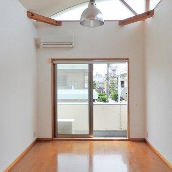 洋室は4部屋ともこのような造り。