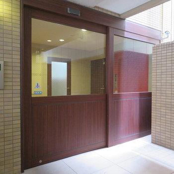 この横長の自動ドア可愛くないですか?