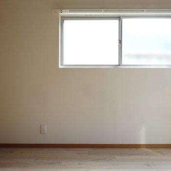 こちらにも窓!風通りもよさそう。