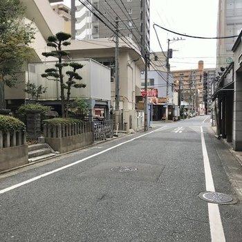 周辺は静かな住宅街。だけど駅近という…!