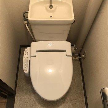 トイレもウォシュレット付き!
