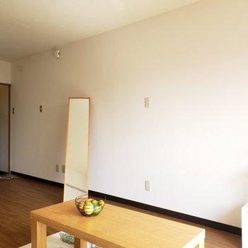 コチラ側には棚を置いて華やかなお部屋に・・♡(※写真はモデルルームです)