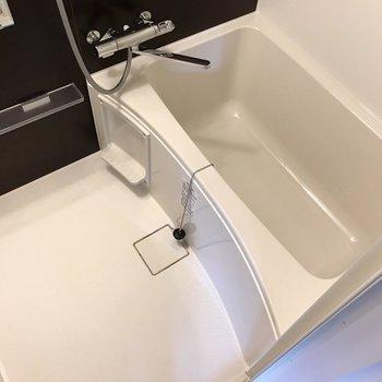お風呂もピカピカ!サーモ水栓で使いやすく。