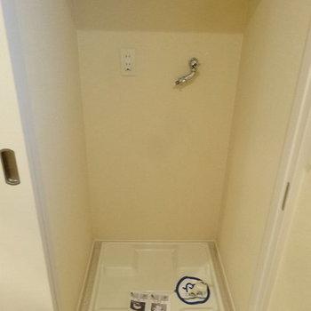 洗濯機は隠せます。※写真は別室です。