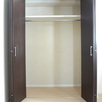 クローゼットも大容量です。※写真は3階の同間取り別部屋のものです
