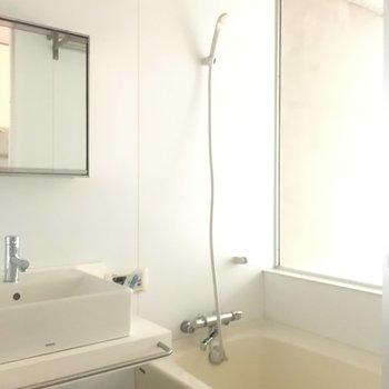 お風呂は3点同じスペースに