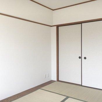 こちらが和室。