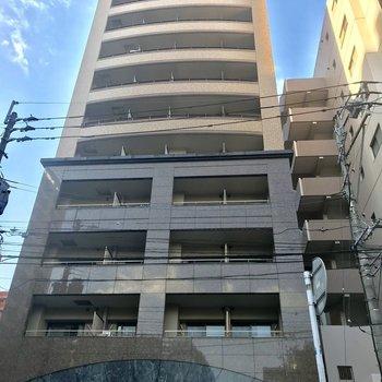 11階建ての2階にあるお部屋です。